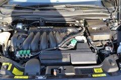 Motorraum mit Gasanlage beim Volvo V50 2,4 125 KW
