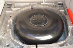 Zavoli rüstet auf Autogas um - hier der Gastank im Volvo V50 2,4 125 KW