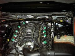 Dodge-Charger-57-Motorraum-Autogas.jpg